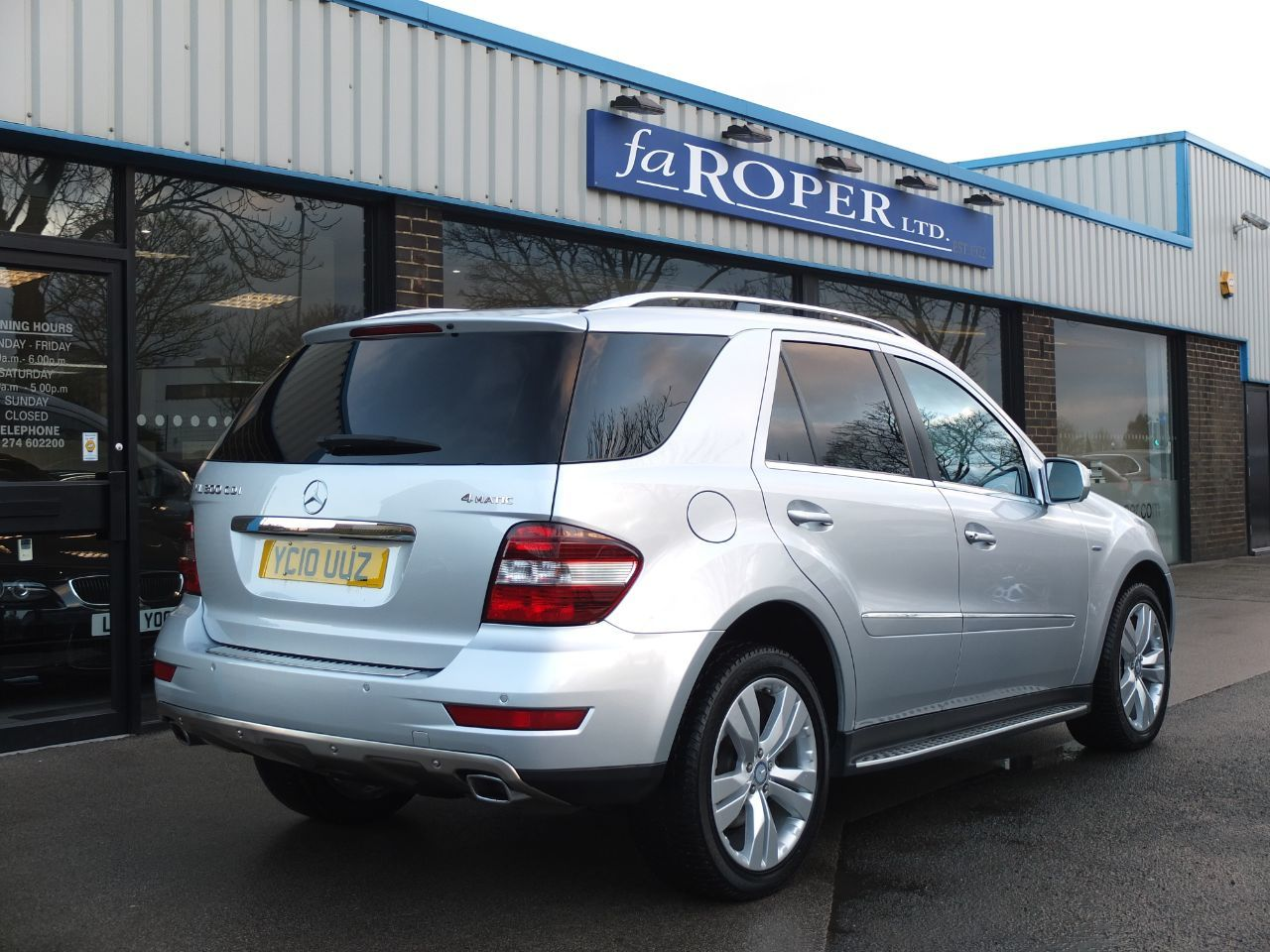 Mercedes-Benz M Class 3.0 ML300 CDi BlueEFFICIENCY [204] Sport Auto Estate Diesel Iridium Silver