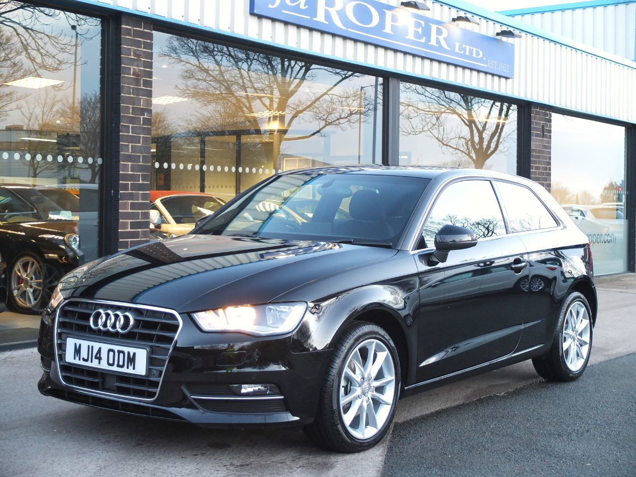 Audi A3 1.4 TFSI Sport 140 ps 3dr S Tronic Cylinder on Demand ++Spec Hatchback Petrol Brilliant BlackAudi A3 1.4 TFSI Sport 140 ps 3dr S Tronic Cylinder on Demand ++Spec Hatchback Petrol Brilliant Black at fa Roper Ltd Bradford
