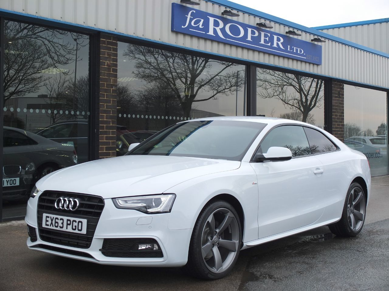 Audi A5 2.0 TDI 177 ps Black Edition Coupe Multitronic +++Spec Coupe Diesel Glacier White MetallicAudi A5 2.0 TDI 177 ps Black Edition Coupe Multitronic +++Spec Coupe Diesel Glacier White Metallic at fa Roper Ltd Bradford