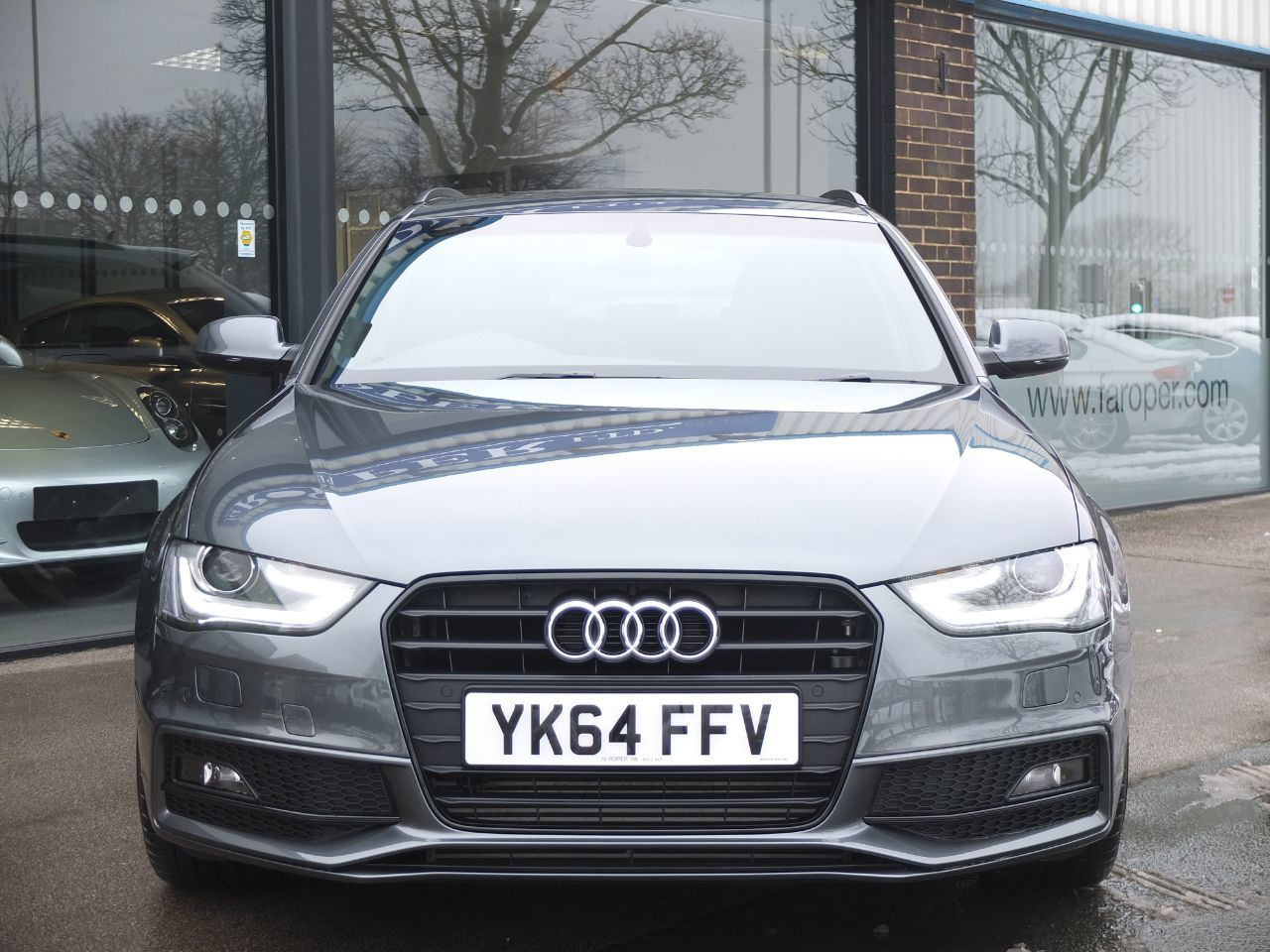 Audi A4 Avant 2.0 TDI 150 ps Black Edition Multitronic +++Spec Estate Diesel Grey