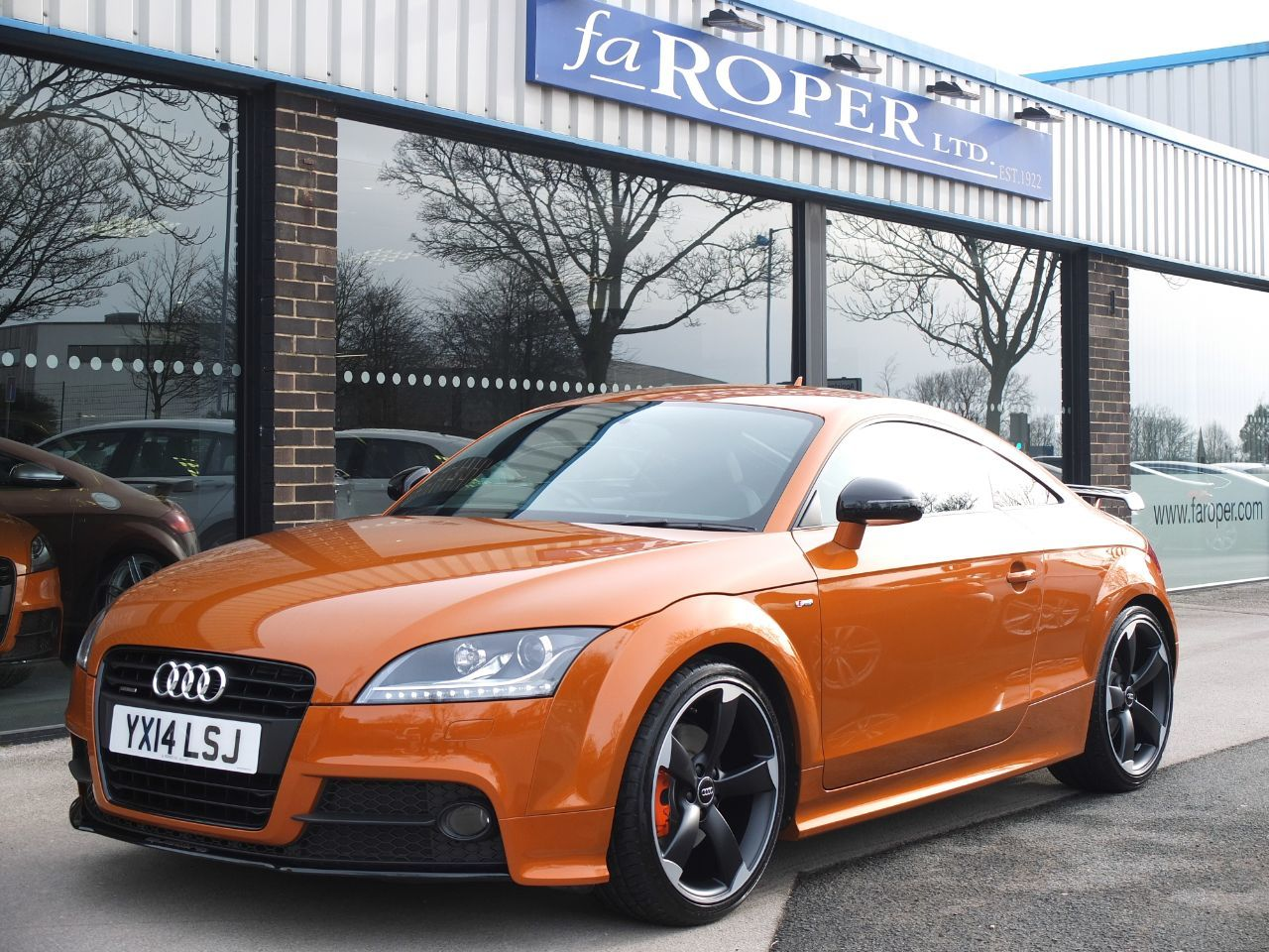 Audi TT 2.0 TDI Quattro Black Edition S Tronic (Amplified Edition ++Spec) Coupe Diesel Samoa Orange MetallicAudi TT 2.0 TDI Quattro Black Edition S Tronic (Amplified Edition ++Spec) Coupe Diesel Samoa Orange Metallic at fa Roper Ltd Bradford
