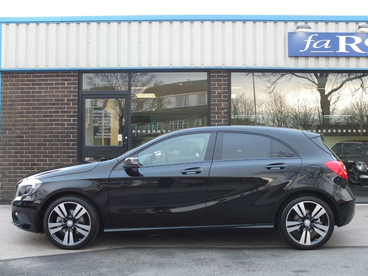 Mercedes-Benz A Class A200 [2.1] CDI Sport Auto. Night Package, Delivery Miles Hatchback Diesel Cosmos Black Metallic