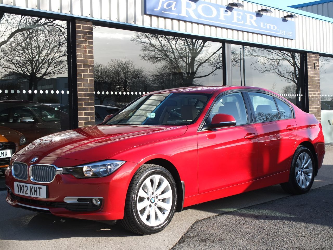 BMW 3 Series 320d Modern 2.0 ++Spec Saloon Diesel Melbourne Red MetallicBMW 3 Series 320d Modern 2.0 ++Spec Saloon Diesel Melbourne Red Metallic at fa Roper Ltd Bradford