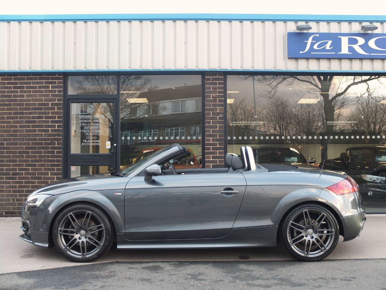 Audi TT Roadster 2.0 TDI 170 ps quattro Black Edition Convertible Diesel Daytona Grey Metallic