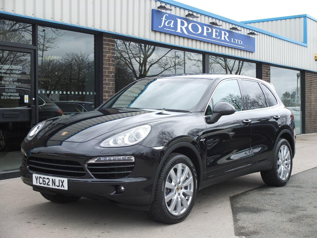 Porsche Cayenne 3.0 Diesel [245] Tiptronic S Estate Diesel Jet Black MetallicPorsche Cayenne 3.0 Diesel [245] Tiptronic S Estate Diesel Jet Black Metallic at fa Roper Ltd Bradford