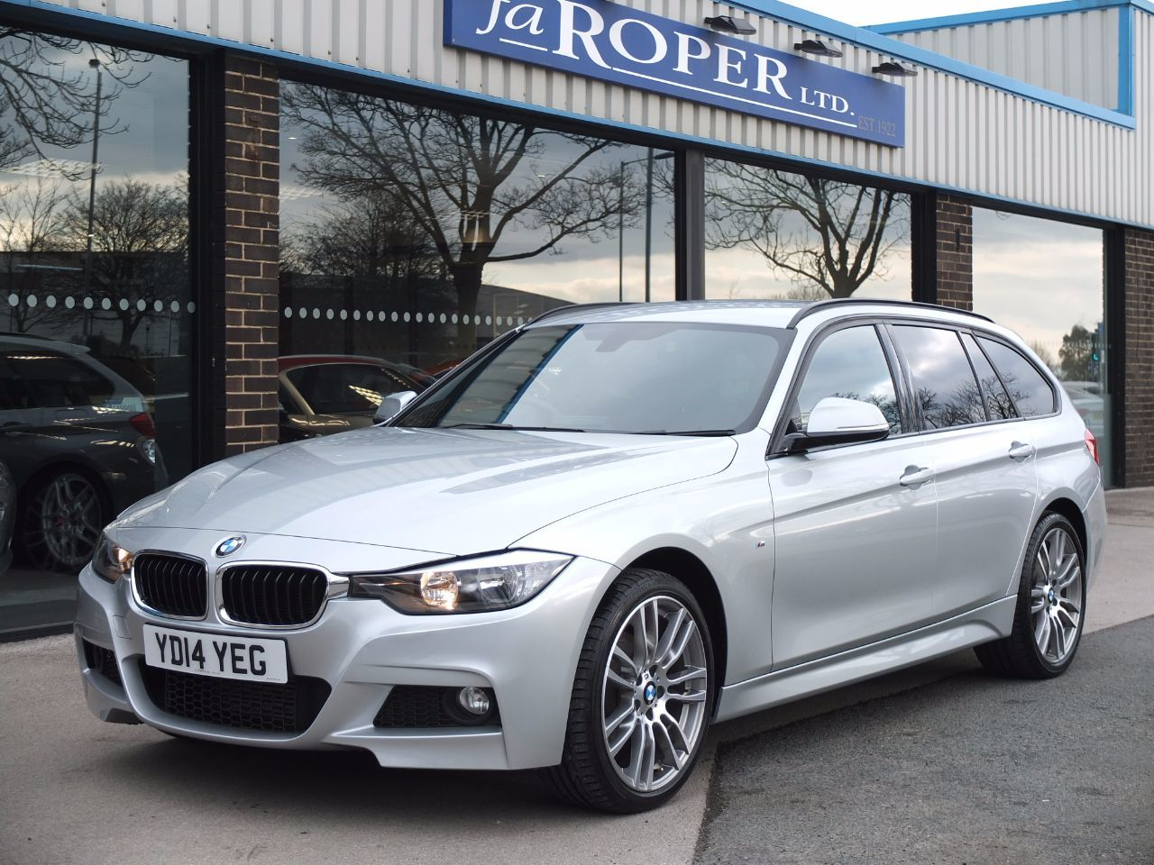 second hand bmw 3 series 320d xdrive m sport touring auto spec for sale in bradford west. Black Bedroom Furniture Sets. Home Design Ideas