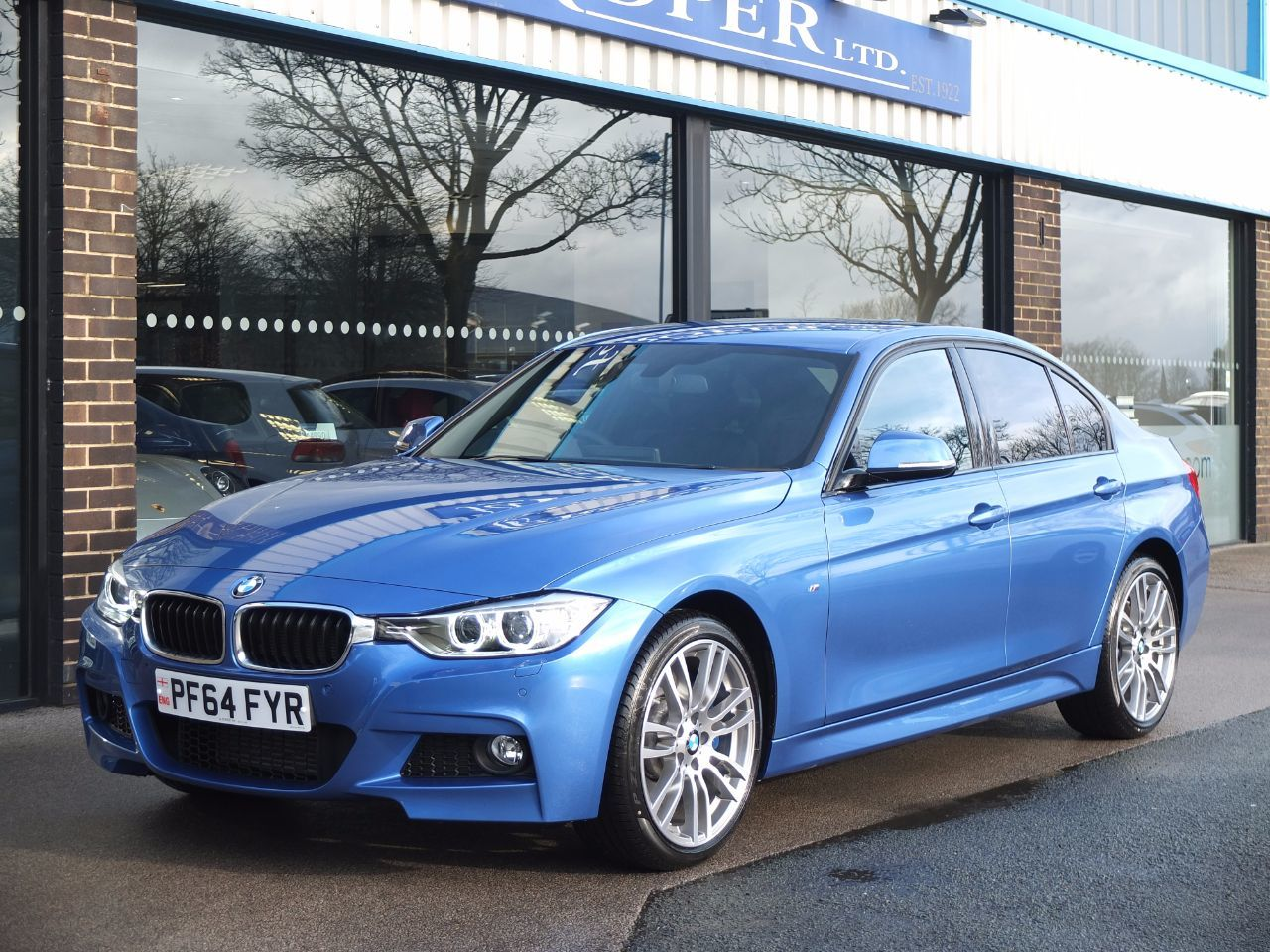 BMW 3 Series 3.0 330d xDrive M Sport Auto, Pro Media +++Spec Saloon Diesel Estoril Blue MetallicBMW 3 Series 3.0 330d xDrive M Sport Auto, Pro Media +++Spec Saloon Diesel Estoril Blue Metallic at fa Roper Ltd Bradford
