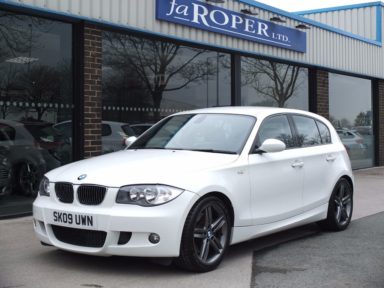 BMW 1 Series 3.0 130i M Sport 5 door Hatchback Petrol Alpine WhiteBMW 1 Series 3.0 130i M Sport 5 door Hatchback Petrol Alpine White at fa Roper Ltd Bradford