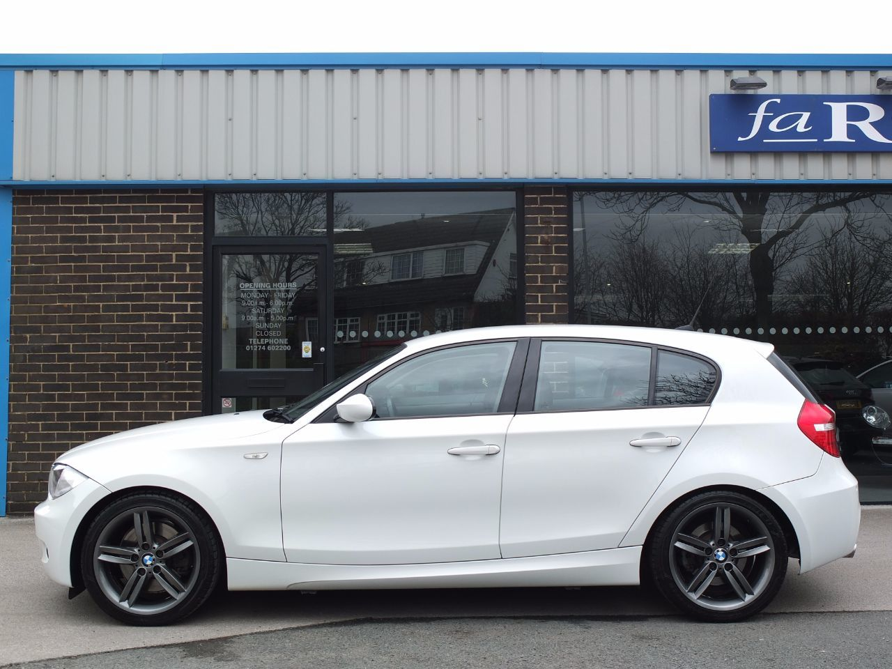 BMW 1 Series 3.0 130i M Sport 5 door Hatchback Petrol Alpine White