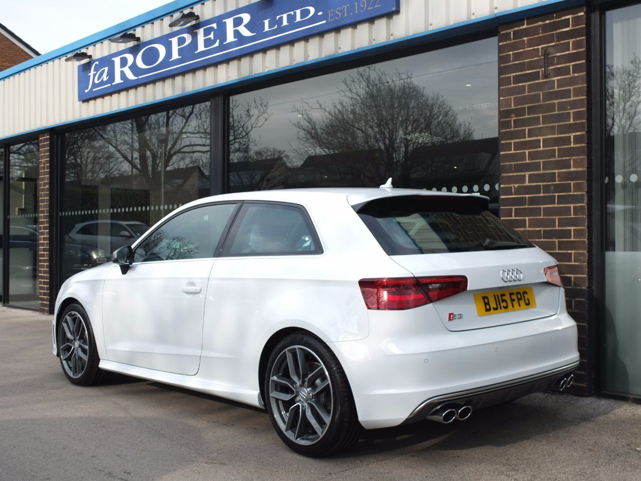Audi S3 2.0T 300ps quattro 3 door Hatchback Petrol Glacier White Metallic