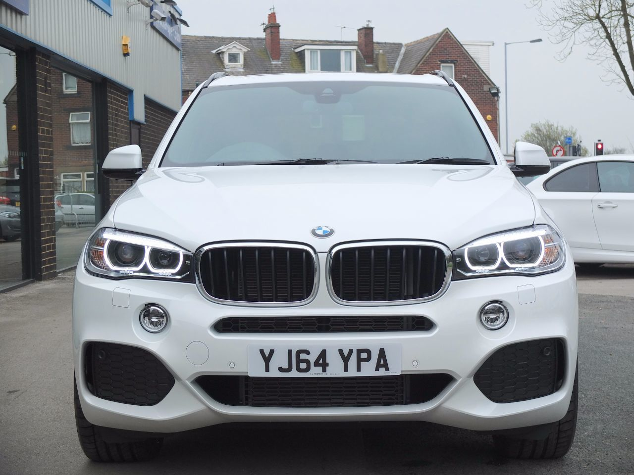 BMW X5 3.0 xDrive30d M Sport Auto 7 Seat, Pan Roof ++ Spec Estate Diesel Mineral White Metallic