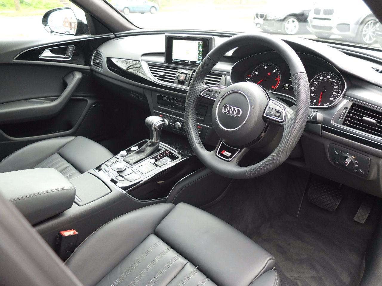 Audi A6 Avant 2.0 TDI Ultra Black Edition S Tronic +++ Spec Estate Diesel Phantom Black Metallic