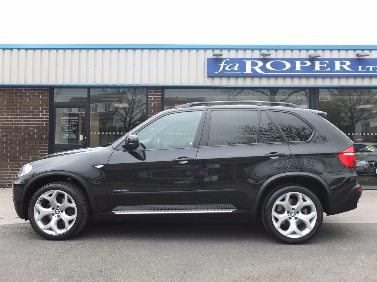 BMW X5 3.0 xDrive35d SE Auto, Dynamic and Media, Pan Roof +++ Spec Estate Diesel Black Sapphire Metallic