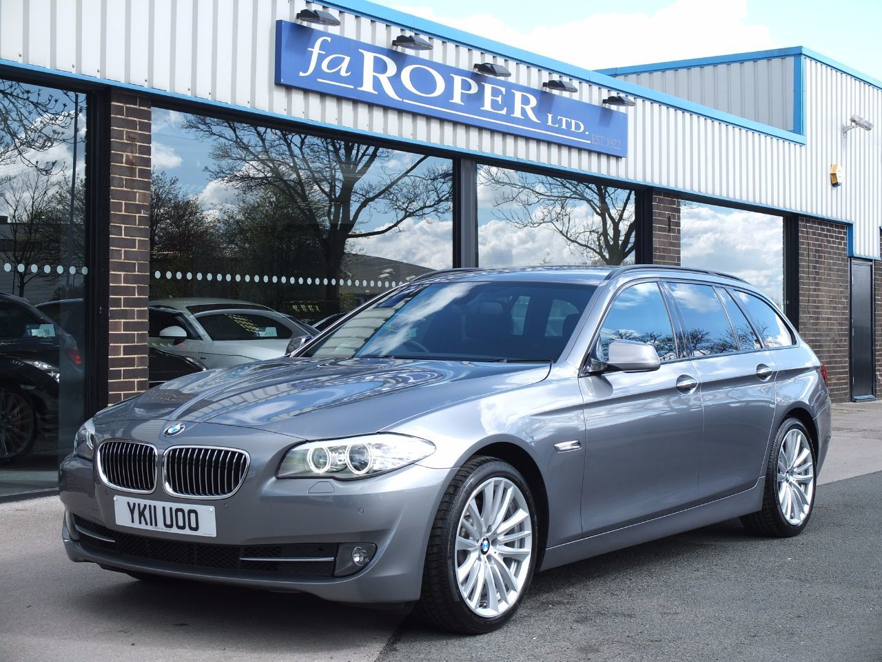 second hand bmw 5 series 525d 3 0 touring se auto dynamic and media packs spec for sale in. Black Bedroom Furniture Sets. Home Design Ideas