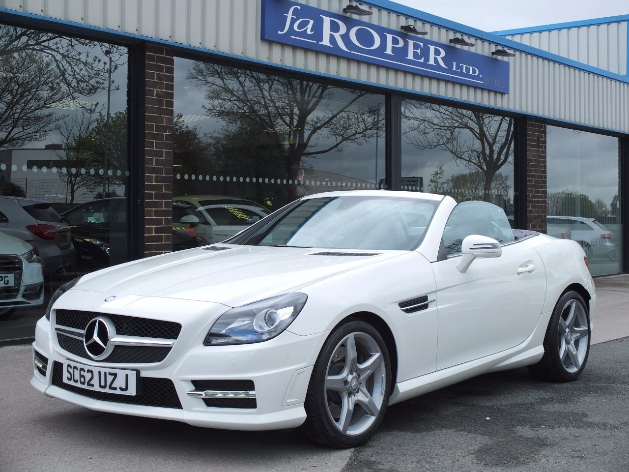 Mercedes-Benz SLK 2.1 SLK 250 CDI BlueEFFICIENCY AMG Sport Auto Convertible Diesel Calcite WhiteMercedes-Benz SLK 2.1 SLK 250 CDI BlueEFFICIENCY AMG Sport Auto Convertible Diesel Calcite White at fa Roper Ltd Bradford
