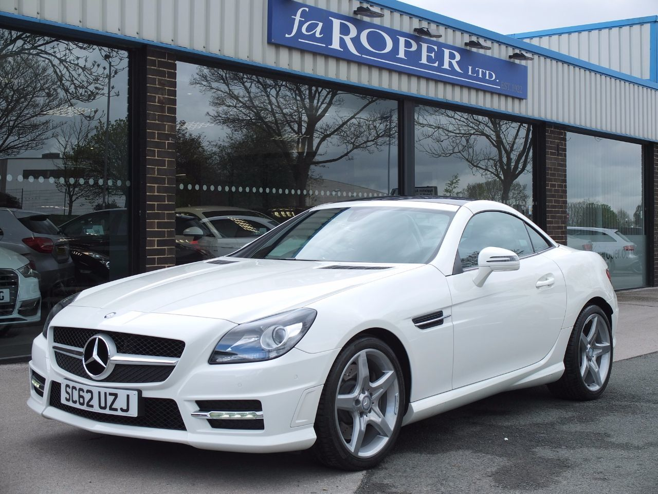 Mercedes-Benz SLK 2.1 SLK 250 CDI BlueEFFICIENCY AMG Sport Auto Convertible Diesel Calcite White
