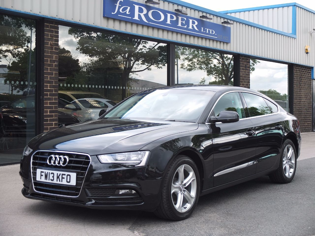 Audi A5 Sportback 2.0 TDI SE Technik 150ps Multitronic [5 Seat] Hatchback Diesel Phantom Black MetallicAudi A5 Sportback 2.0 TDI SE Technik 150ps Multitronic [5 Seat] Hatchback Diesel Phantom Black Metallic at fa Roper Ltd Bradford