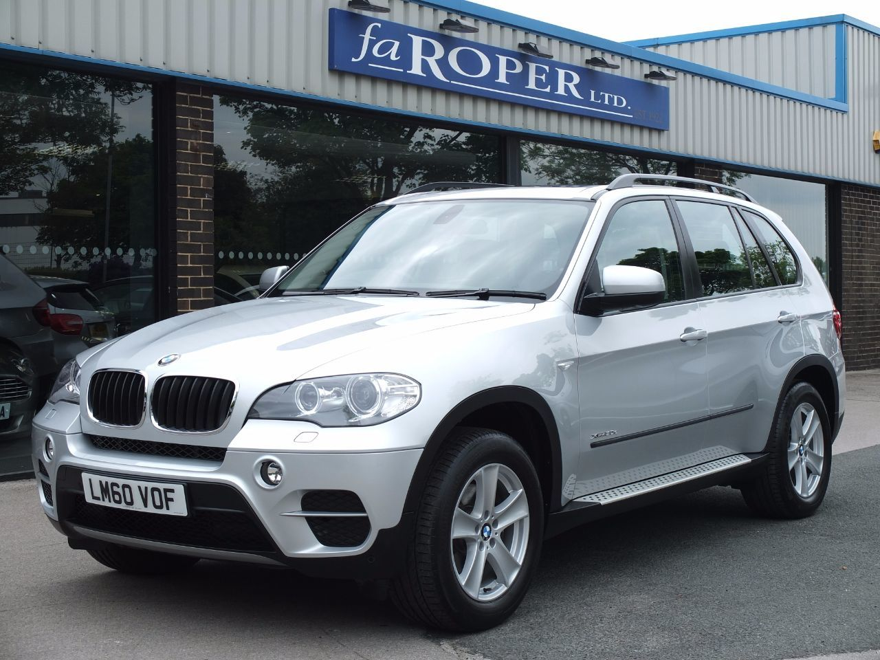 BMW X5 3.0 xDrive30d SE Auto Facelift, Pan Roof, Media Estate Diesel Titanium Silver Metallic