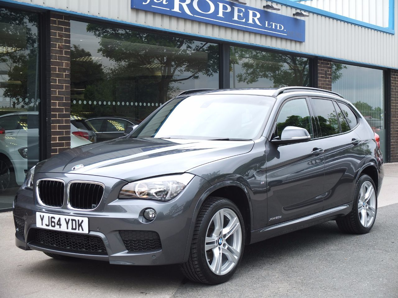 BMW X1 2.0 xDrive 20d M Sport Auto 4WD ++Spec Estate Diesel Mineral Grey MetallicBMW X1 2.0 xDrive 20d M Sport Auto 4WD ++Spec Estate Diesel Mineral Grey Metallic at fa Roper Ltd Bradford