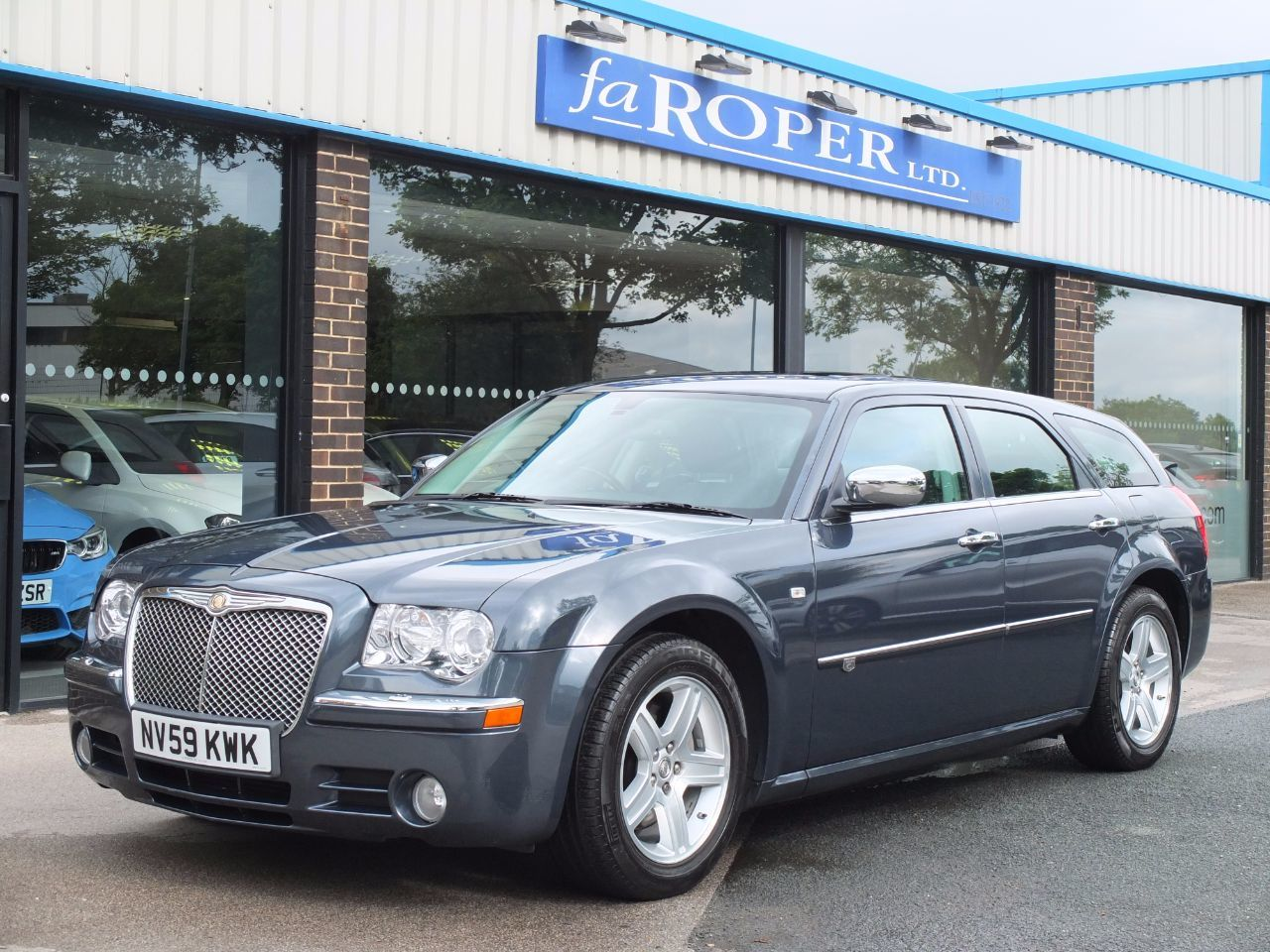 Chrysler 300C 3.0 V6 CRD Touring Auto Lux Pack Estate Diesel Slate Blue MetallicChrysler 300C 3.0 V6 CRD Touring Auto Lux Pack Estate Diesel Slate Blue Metallic at fa Roper Ltd Bradford