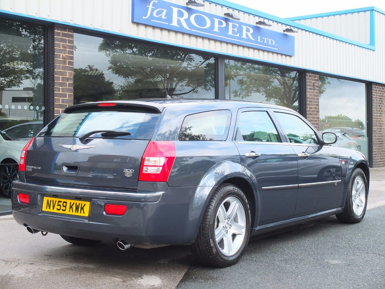 Chrysler 300C 3.0 V6 CRD Touring Auto Lux Pack Estate Diesel Slate Blue Metallic