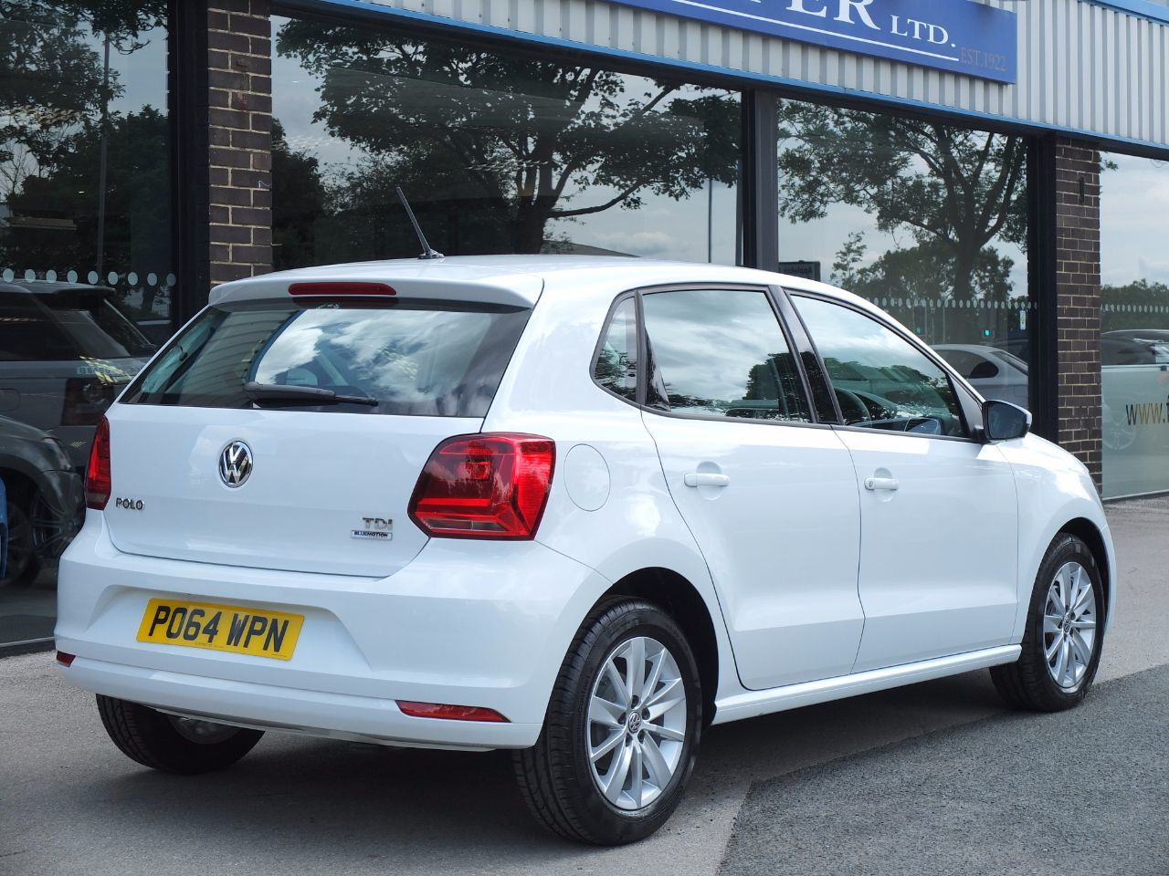 second hand volkswagen polo 1 4 tdi bluemotion tech se 5 door for sale in bradford west. Black Bedroom Furniture Sets. Home Design Ideas