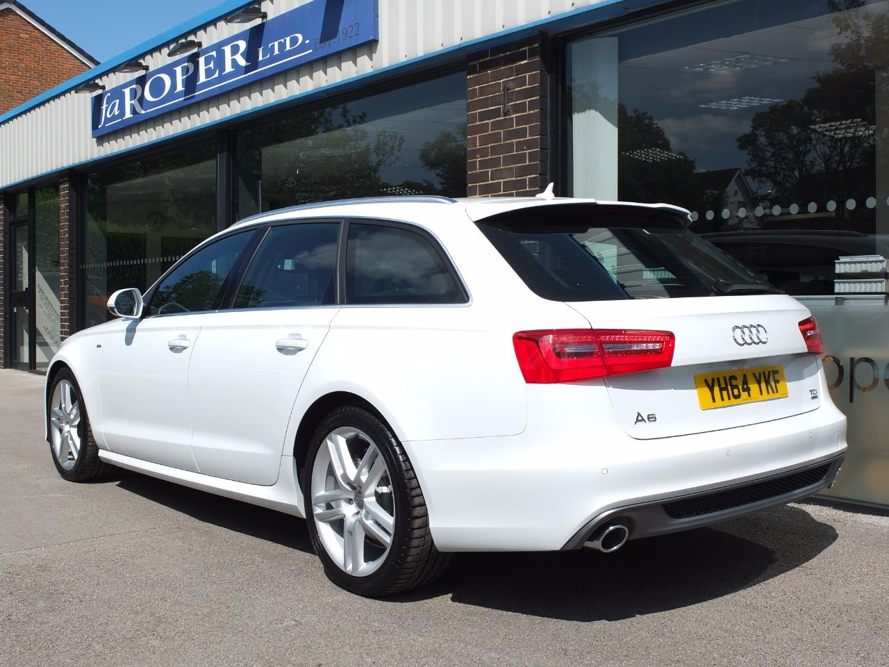 used audi a6 avant 3 0 tdi quattro s line s tronic auto 204ps for sale in bradford west. Black Bedroom Furniture Sets. Home Design Ideas
