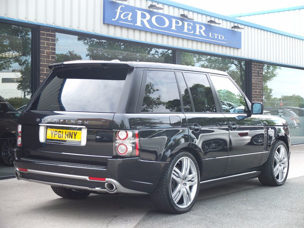 Land Rover Range Rover 4.4 TDV8 Vogue OVERFINCH GT AERO Estate Diesel Santorini Black Metallic