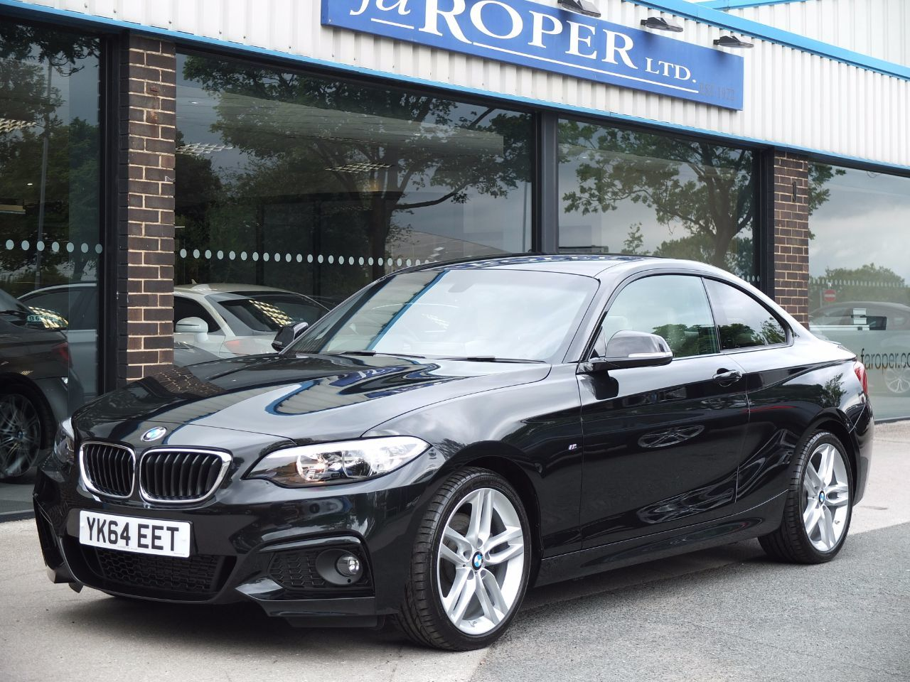 BMW 2 Series 2.0 220d M Sport Coupe Auto, Pro Media, Leather++ Coupe Diesel Black Sapphire MetallicBMW 2 Series 2.0 220d M Sport Coupe Auto, Pro Media, Leather++ Coupe Diesel Black Sapphire Metallic at fa Roper Ltd Bradford