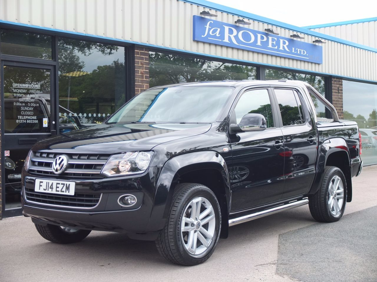 Volkswagen Amarok Highline 2.0 BiTDI 180ps 4MOTION 8 Speed DSG Pick Up Diesel Deep Black PearlVolkswagen Amarok Highline 2.0 BiTDI 180ps 4MOTION 8 Speed DSG Pick Up Diesel Deep Black Pearl at fa Roper Ltd Bradford