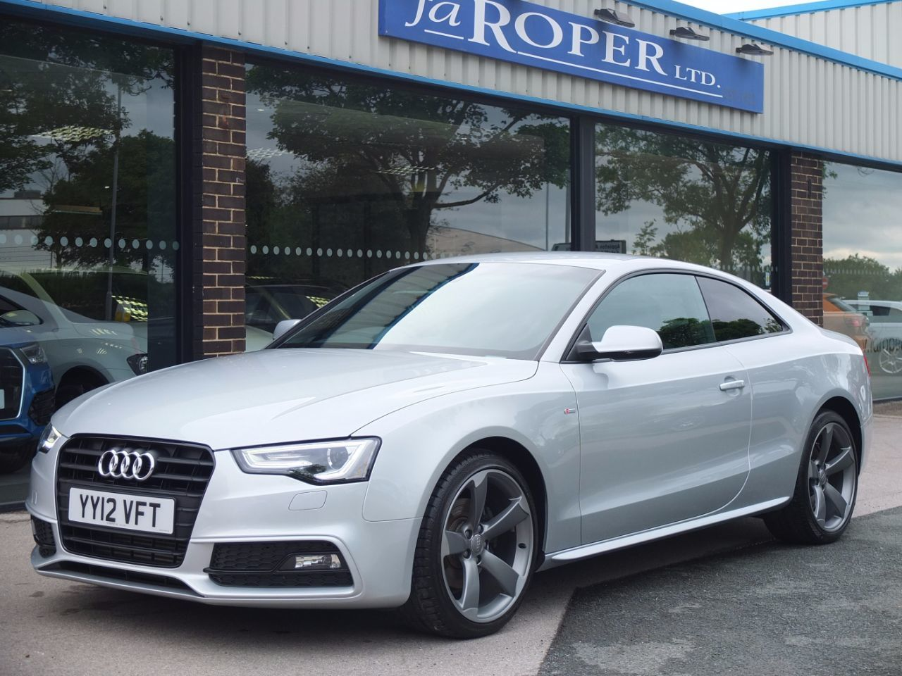 Audi A5 Coupe 2.0 TDI 177ps Black Edition Coupe Diesel Ice Silver MetallicAudi A5 Coupe 2.0 TDI 177ps Black Edition Coupe Diesel Ice Silver Metallic at fa Roper Ltd Bradford