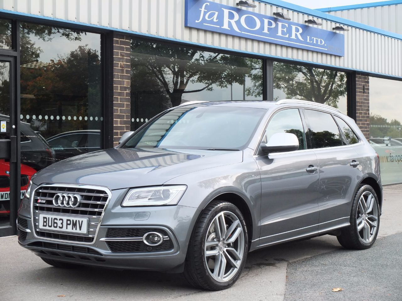 Audi Q5 3.0 SQ5 quattro Tiptronic Auto 313ps  ++++Spec Estate Diesel Monsoon Grey MetallicAudi Q5 3.0 SQ5 quattro Tiptronic Auto 313ps  ++++Spec Estate Diesel Monsoon Grey Metallic at fa Roper Ltd Bradford