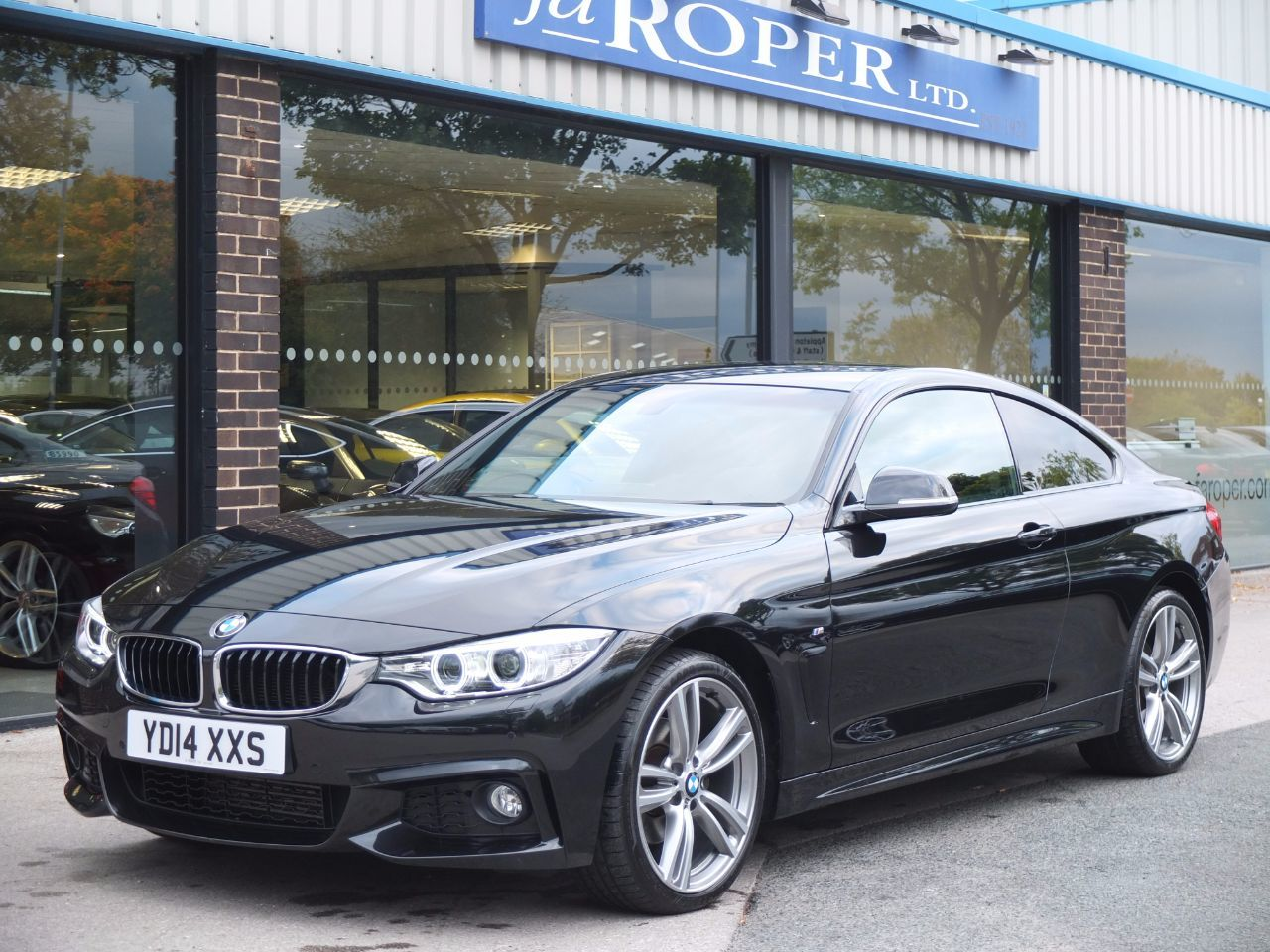 BMW 4 Series 2.0 420d xDrive M Sport Auto Coupe Diesel Black Sapphire MetallicBMW 4 Series 2.0 420d xDrive M Sport Auto Coupe Diesel Black Sapphire Metallic at fa Roper Ltd Bradford
