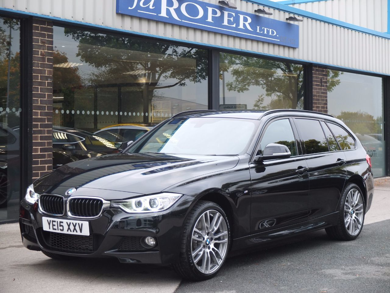 BMW 3 Series 2.0 320d xDrive M Sport Touring Auto (M Sport Plus and Media Packs) Estate Diesel Black Sapphire MetallicBMW 3 Series 2.0 320d xDrive M Sport Touring Auto (M Sport Plus and Media Packs) Estate Diesel Black Sapphire Metallic at fa Roper Ltd Bradford
