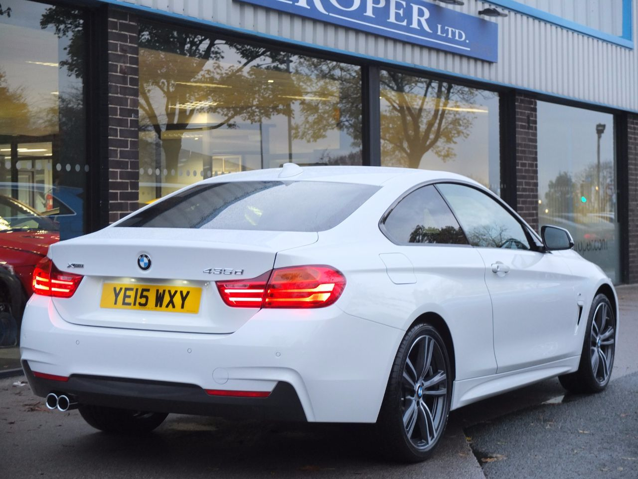 BMW 4 Series 3.0 435d xDrive M Sport Auto (M Sport Plus Pack) Coupe Diesel Alpine White