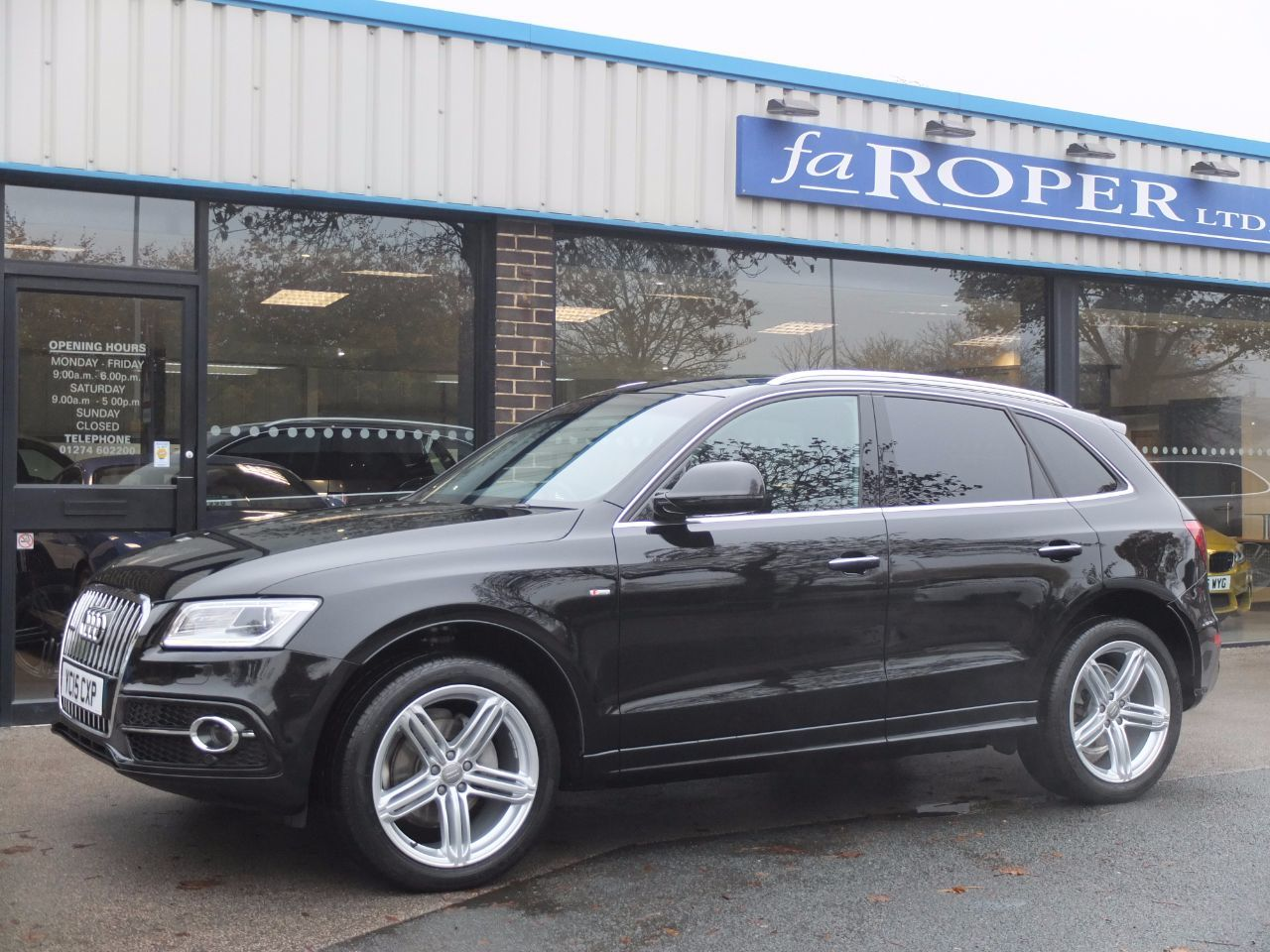 Audi Q5 2.0 TDI quattro S Line Plus S Tronic 177ps (Tech Pack) Estate Diesel Mythos Black Metallic