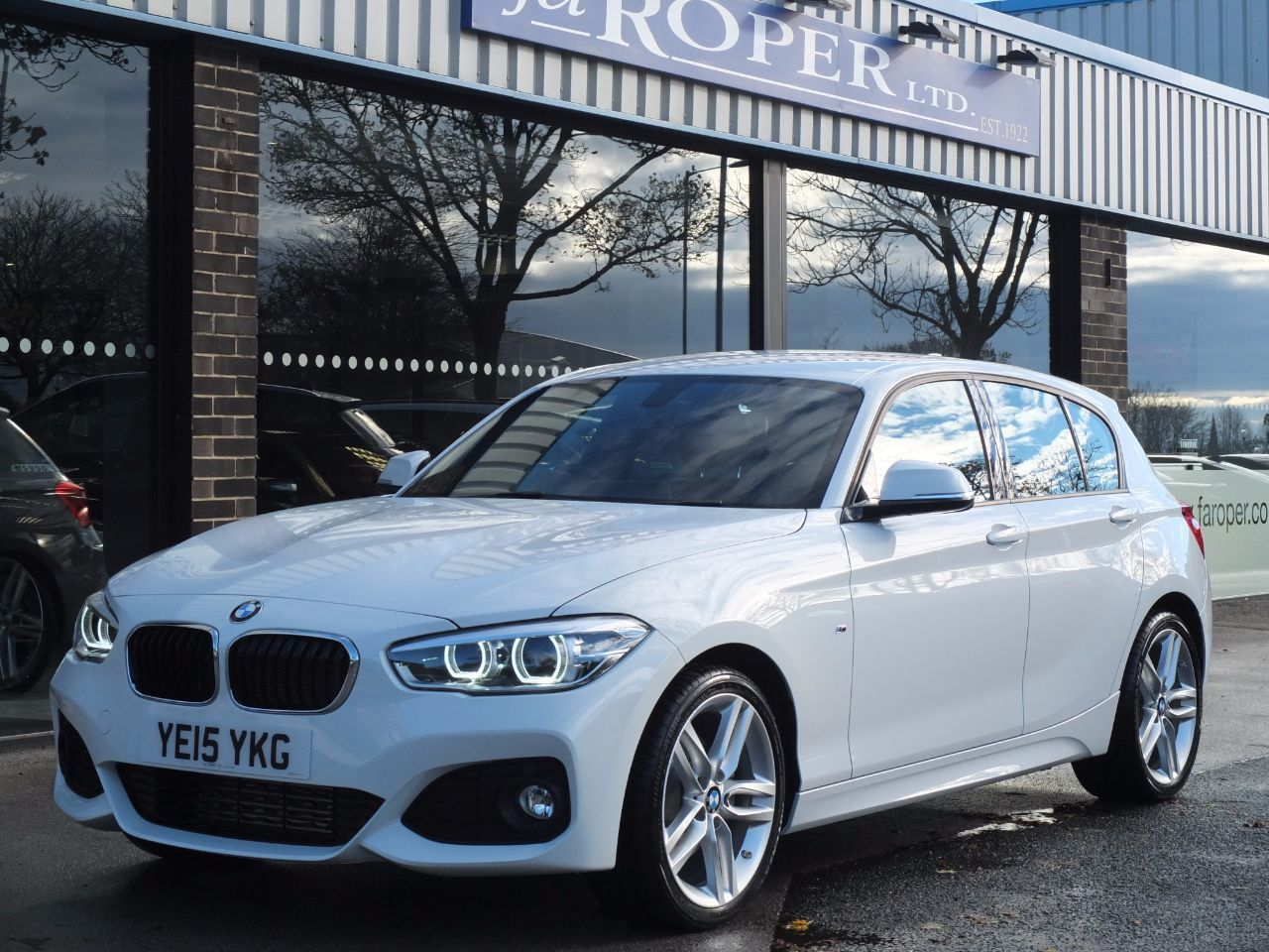 BMW 1 Series 2.0 125d M Sport 5 Door Auto New Model (Pro Media, Leather) Hatchback Diesel Alpine WhiteBMW 1 Series 2.0 125d M Sport 5 Door Auto New Model (Pro Media, Leather) Hatchback Diesel Alpine White at fa Roper Ltd Bradford
