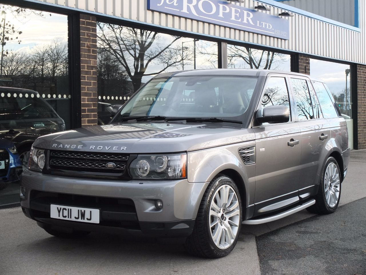 Land Rover Range Rover Sport 3.0 TDV6 HSE CommandShift Estate Diesel Stornoway Grey Metallic