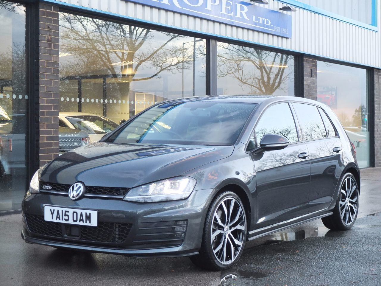 Volkswagen Golf 2.0 TDI GTD 5 Door 184ps DSG Hatchback Diesel Carbon Grey MetallicVolkswagen Golf 2.0 TDI GTD 5 Door 184ps DSG Hatchback Diesel Carbon Grey Metallic at fa Roper Ltd Bradford