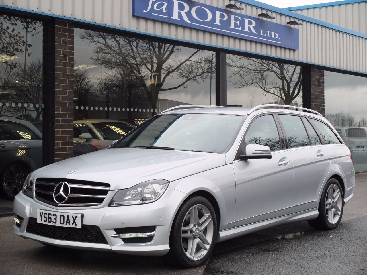 Mercedes-Benz C Class 2.1 C250 CDI AMG Sport Edition Estate Auto (Premium Pack) Estate Diesel Iridium Silver MetallicMercedes-Benz C Class 2.1 C250 CDI AMG Sport Edition Estate Auto (Premium Pack) Estate Diesel Iridium Silver Metallic at fa Roper Ltd Bradford