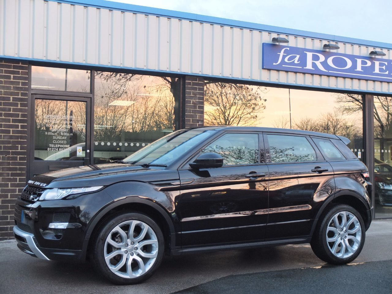 Land Rover Range Rover Evoque 2.2 SD4 Dynamic 5dr [Lux Pack] Automatic Estate Diesel Barolo Black Metallic