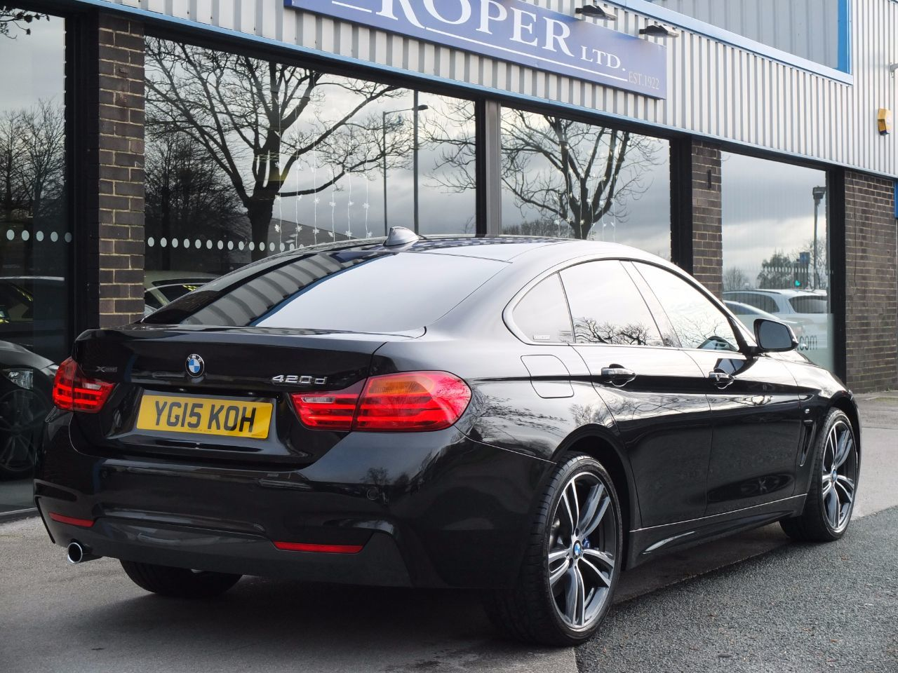BMW 4 Series 2.0 Gran Coupe 420d xDrive M Sport Auto (M Sport Plus and Media) Coupe Diesel Black Sapphire Metallic