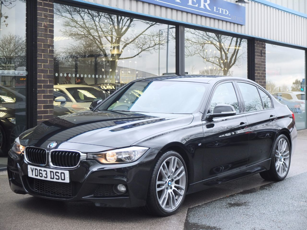 BMW 3 Series 3.0 330d Blue Performance M Sport Auto, Media Pack +++ Saloon Diesel Black Sapphire MetallicBMW 3 Series 3.0 330d Blue Performance M Sport Auto, Media Pack +++ Saloon Diesel Black Sapphire Metallic at fa Roper Ltd Bradford