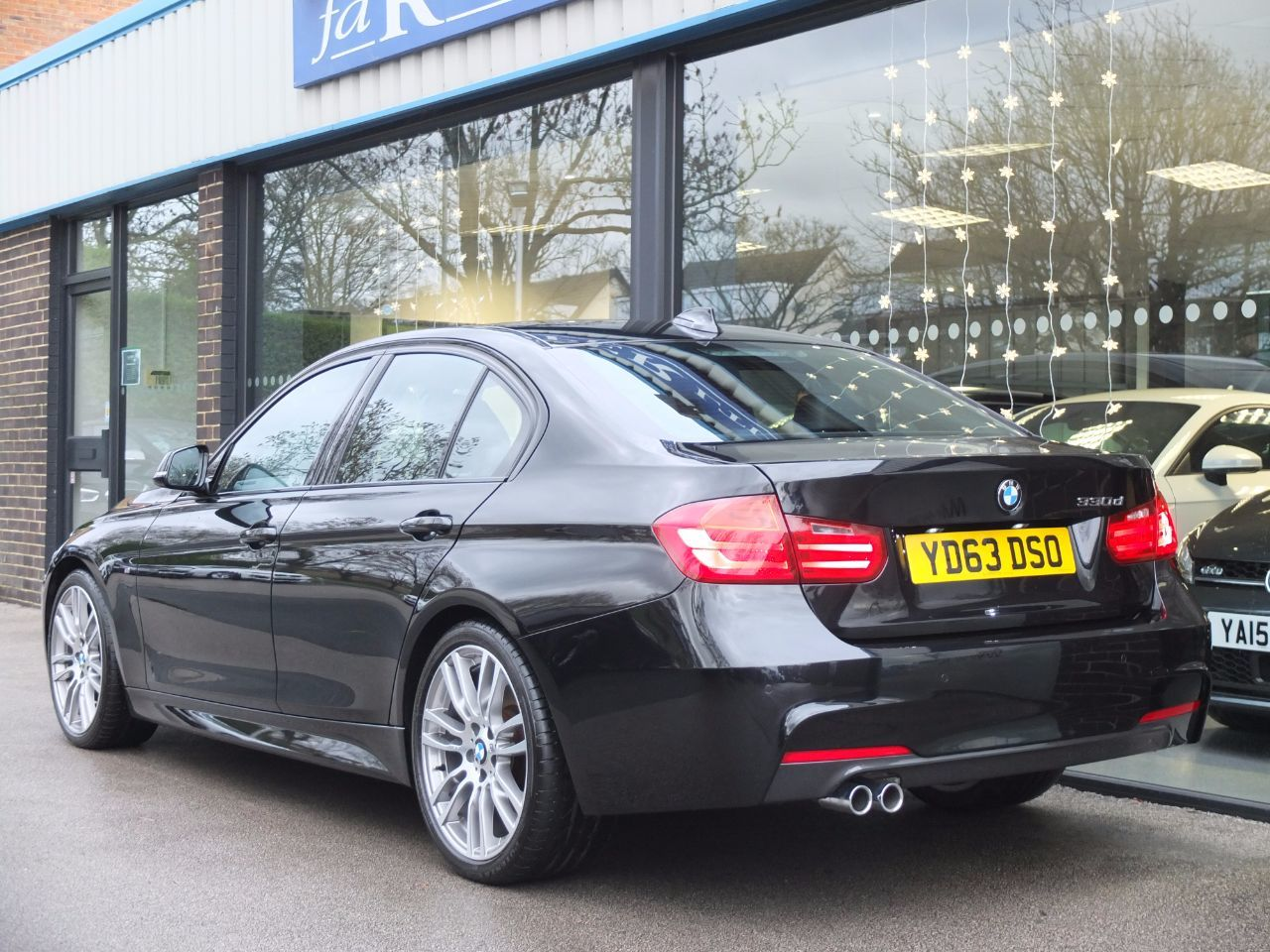 BMW 3 Series 3.0 330d Blue Performance M Sport Auto, Media Pack +++ Saloon Diesel Black Sapphire Metallic