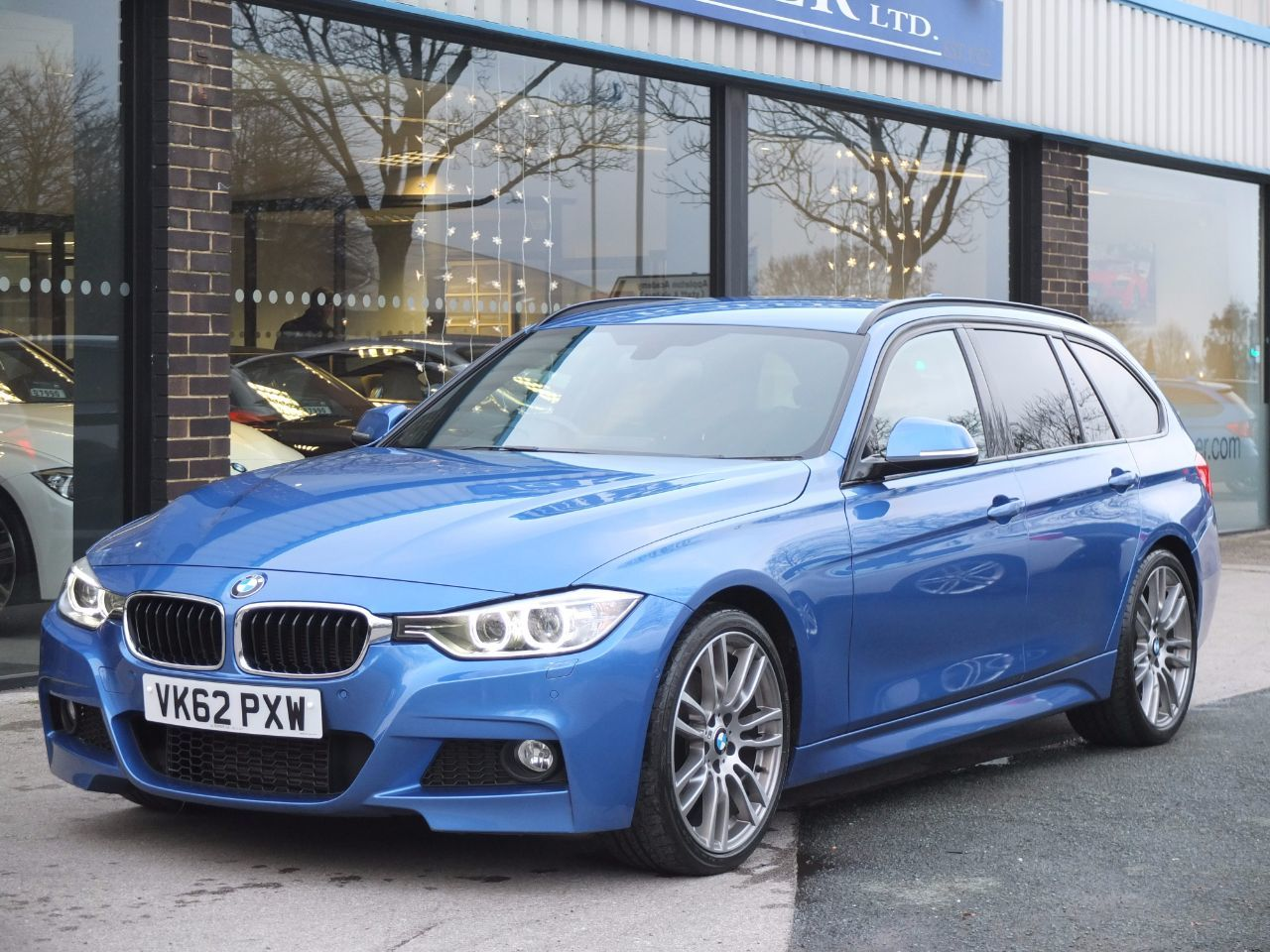 BMW 3 Series 3.0 330d M Sport Touring Auto +++Spec Estate Diesel Estoril Blue MetallicBMW 3 Series 3.0 330d M Sport Touring Auto +++Spec Estate Diesel Estoril Blue Metallic at fa Roper Ltd Bradford