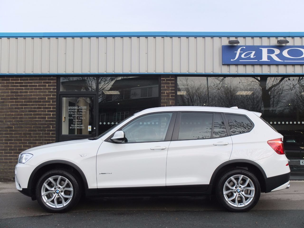 BMW X3 2.0 xDrive20d SE Auto (Pro Media and Panoramic Roof) Estate Diesel Alpine White
