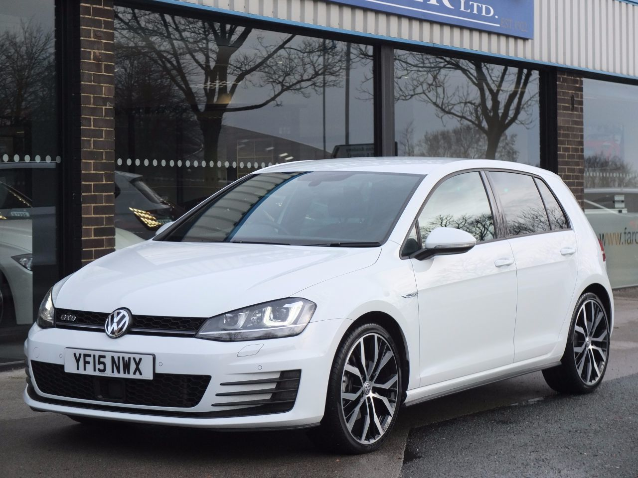 Volkswagen Golf 2.0 TDI GTD 5 Door DSG (Discover Navigation and 19 inch Wheels) Hatchback Diesel Pure WhiteVolkswagen Golf 2.0 TDI GTD 5 Door DSG (Discover Navigation and 19 inch Wheels) Hatchback Diesel Pure White at fa Roper Ltd Bradford