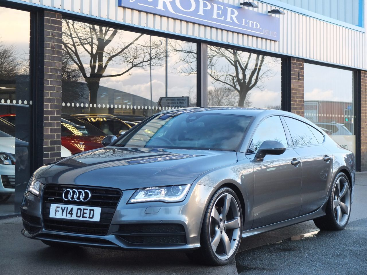 Audi A7 3.0 TDI quattro Black Edition S tronic 245ps [5 Seat] Hatchback Diesel Daytona Grey MetallicAudi A7 3.0 TDI quattro Black Edition S tronic 245ps [5 Seat] Hatchback Diesel Daytona Grey Metallic at fa Roper Ltd Bradford