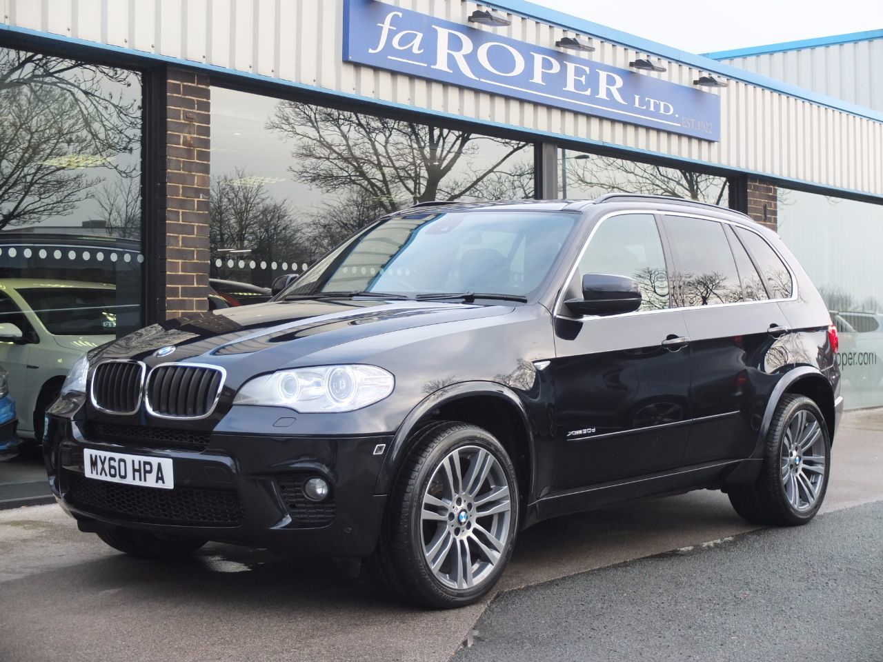 BMW X5 3.0 xDrive30d M Sport Auto Estate Diesel Carbon Black MetallicBMW X5 3.0 xDrive30d M Sport Auto Estate Diesel Carbon Black Metallic at fa Roper Ltd Bradford