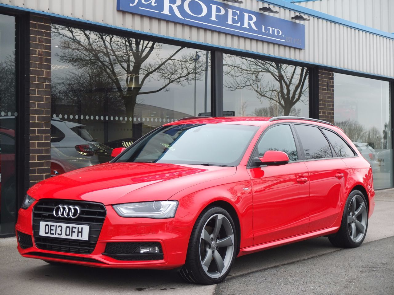 Audi A4 Avant 2.0 TDI 177ps quattro Black Edition Estate Diesel Misano Red PearlAudi A4 Avant 2.0 TDI 177ps quattro Black Edition Estate Diesel Misano Red Pearl at fa Roper Ltd Bradford
